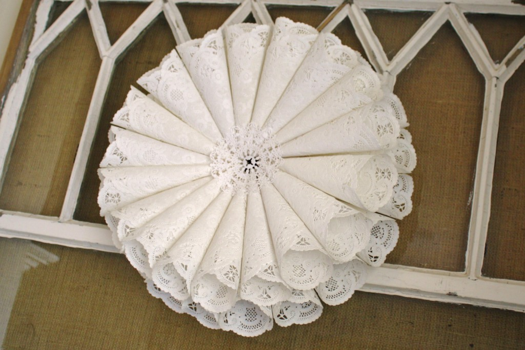 Christmas Craft Ideas With Paper Doilies : Paper doily wreath