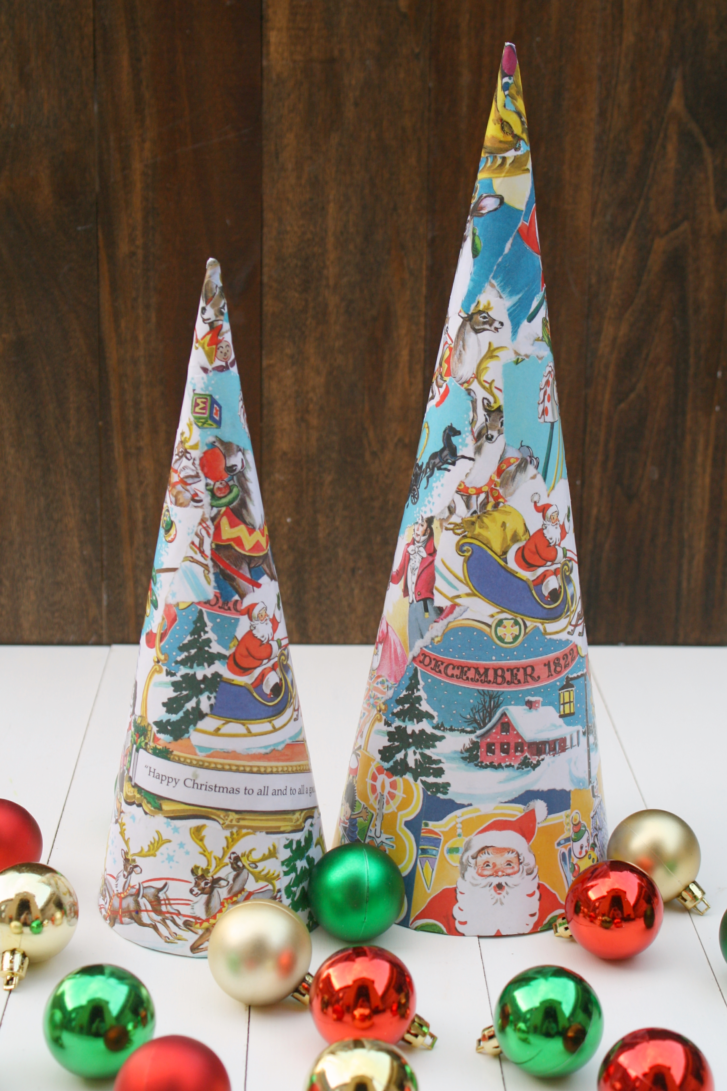 Vintage book christmas trees for Christmas tree made from old books
